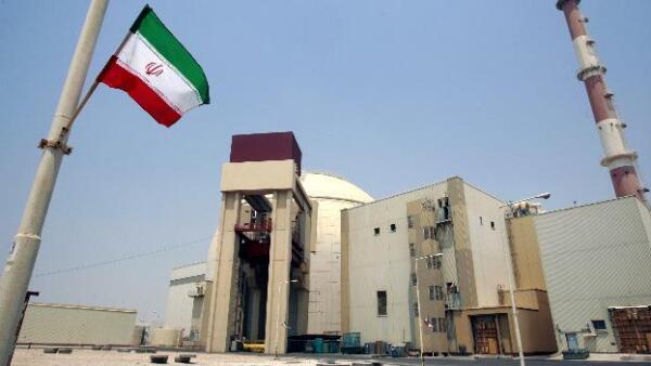 Irán inaugura su primer planta nuclear