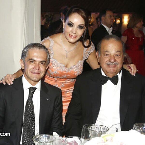 Miguel Ángel Mancera, Isabel Goñi y Carlos Slim