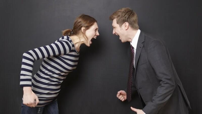 pareja pelea