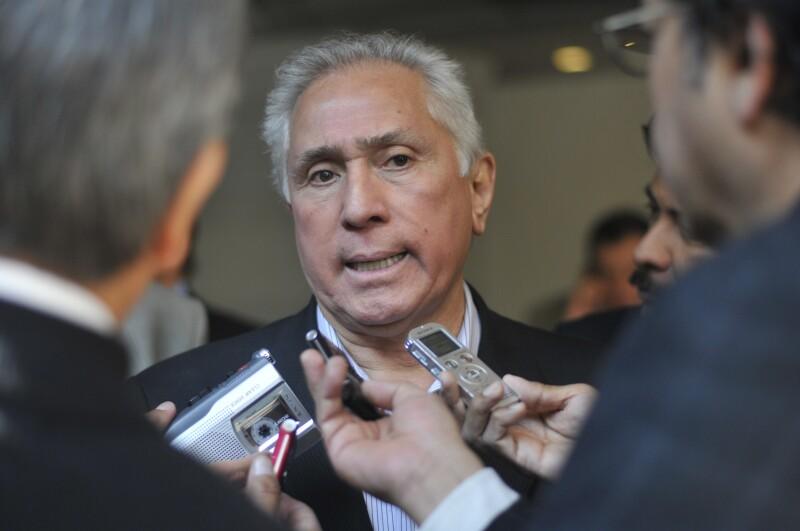 El líder de la Federación de Sindicatos de Trabajadores al Servicio del Estado, Joel Ayala, aseguró que buscará reunirse con AMLO cuando éste asuma como presidente electo de México.