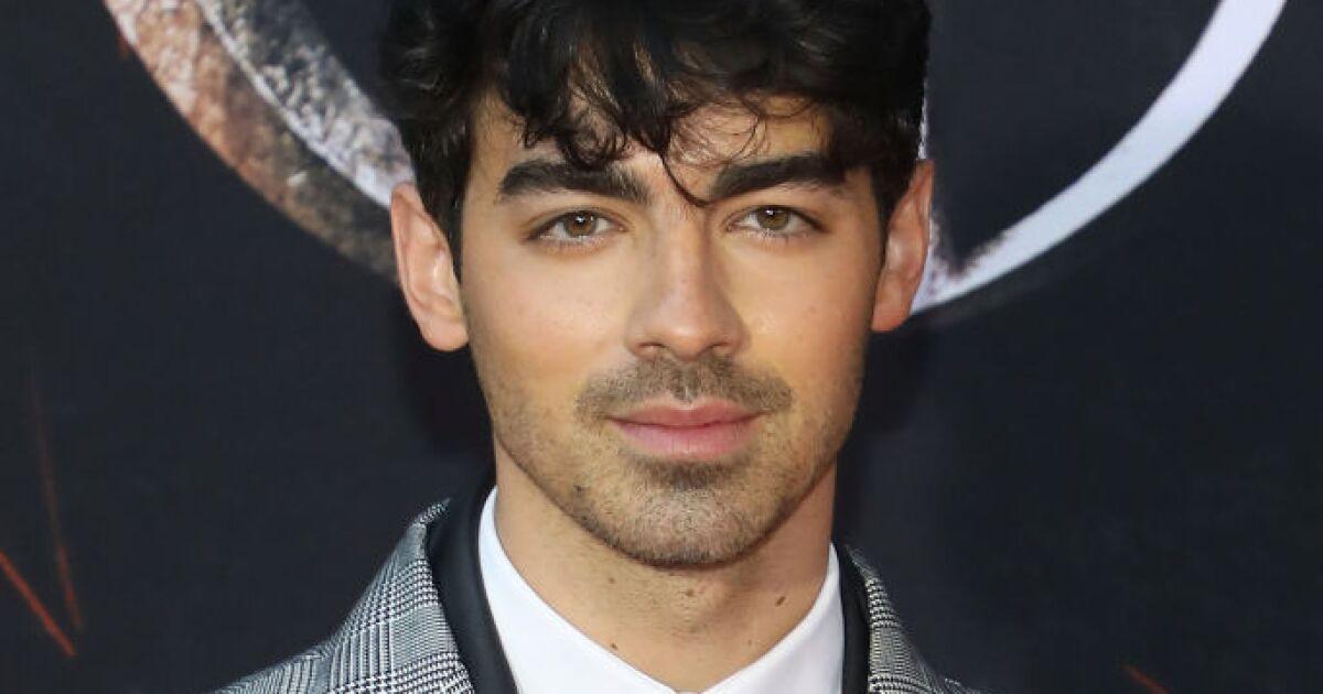 Joe Jonas celebrates his birthday by posing naked with Sophie Turner