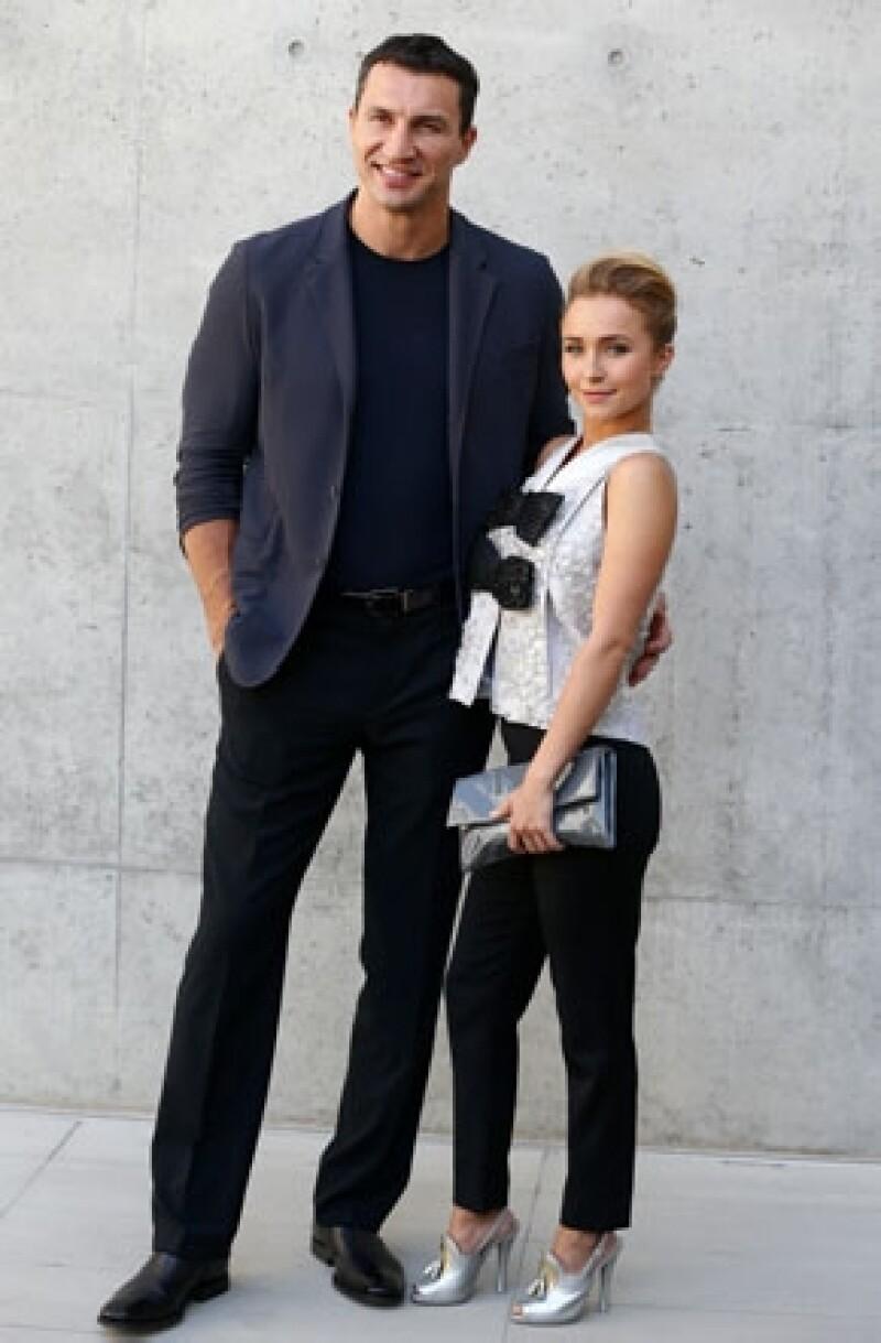 """La actriz de 24 años está comprometida con el boxeador Wladimir Klitschko que es 14 años mayor que ella. El portal """"E News"""" dio a conocer la noticia luego de que ella insinuara su condición."""