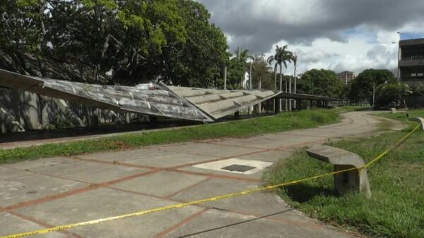 El colapso del techo de una universidad refleja la crisis educativa en Venezuela