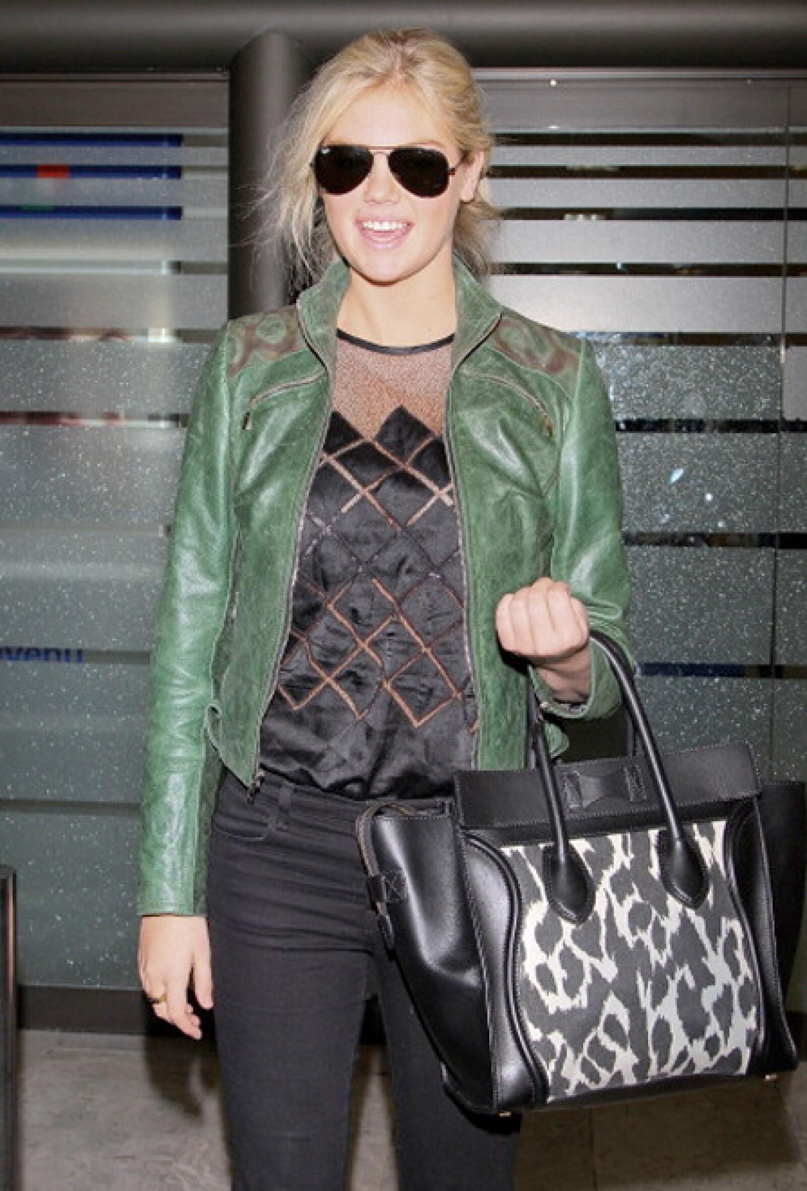 Kate Upton adora su Céline con animal print.