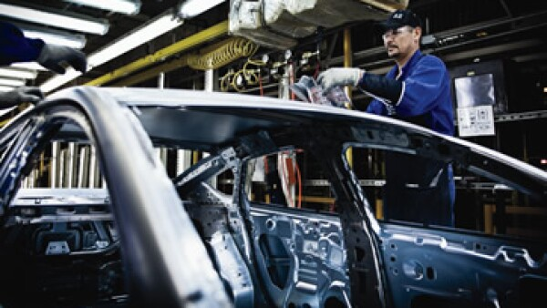 La industria automotriz generó 8,000 empleos directos en los últimos tres años. (Foto: Alfredo Pelcastre / Mondaphoto )