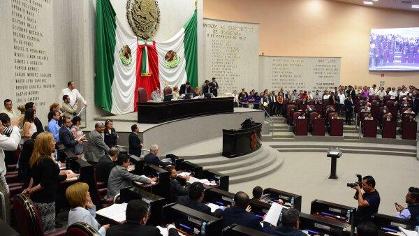 Los diputados locales celebraron este jueves la novena sesión ordinaria correspondiente al segundo periodo de sesiones de la legislatura.