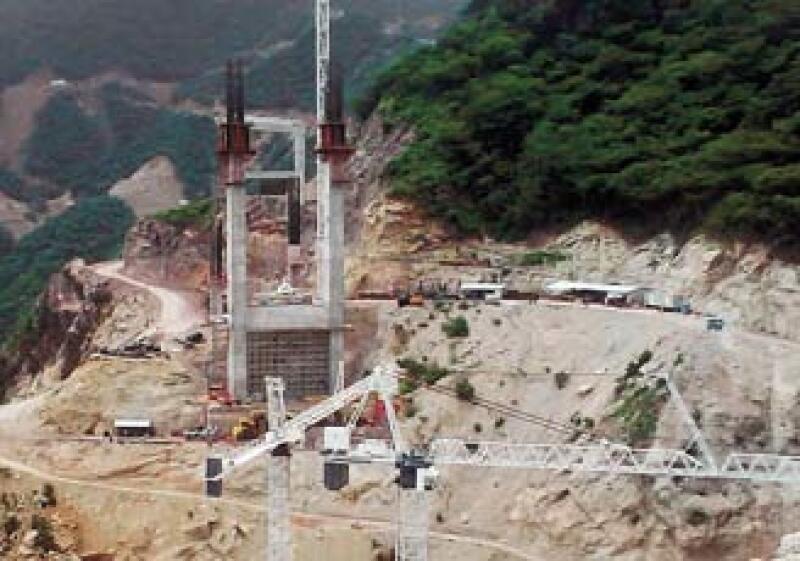 El puente Baluarte comunicará a Sinaloa y Durango y será el más grande de Latinoamérica. (Foto: Especial)