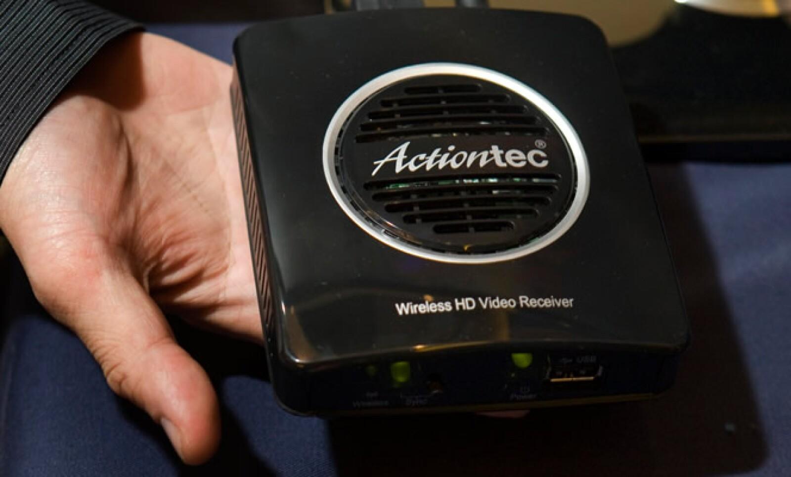 El ActionTec permite enviar de forma inalámbrica video en alta definición o HD a varios televisores en el hogar.