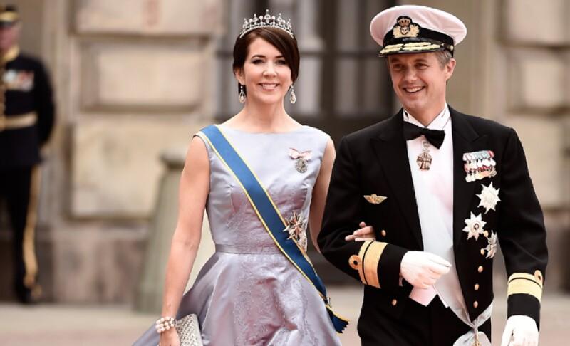 Federico y Mary de Dinamarca se mostraron muy agradecidos con el salvavidas que rescató al heredero.