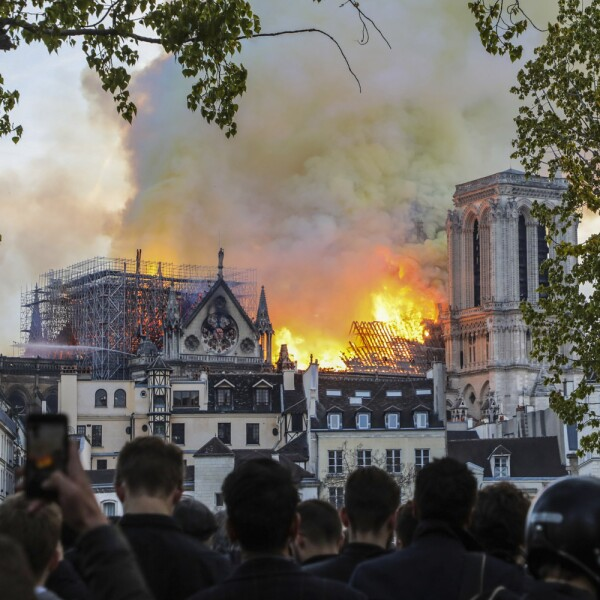 Incendio Notre Dame-12