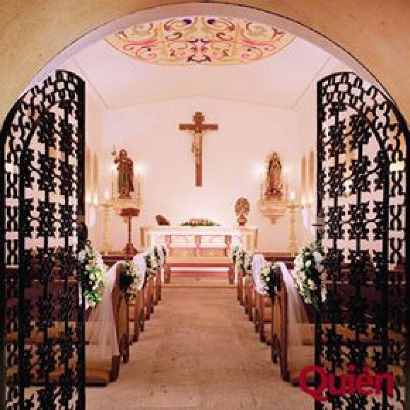 Visitó personalmente la capilla privada en Los Cabos en donde bautizó a su primer hijo con Aracely, Miguelito, en julio del 2007, al parecer desea que su segundo hijo reciba ahí el sacramento.