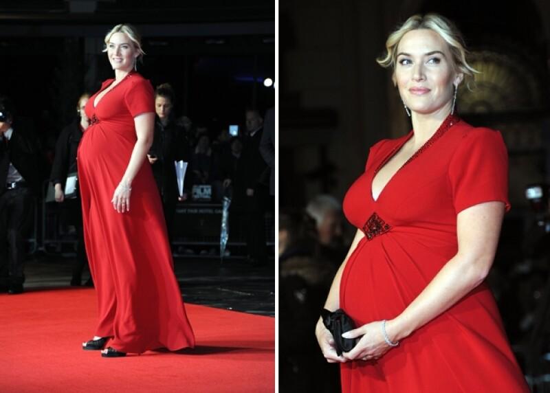 La inglesa se presentó en el Festival de Cine de Londres con un avanzado estado de embarazo en donde contó que no ha pensado mucho en la temporada de premios debido a que espera su tercer hijo.