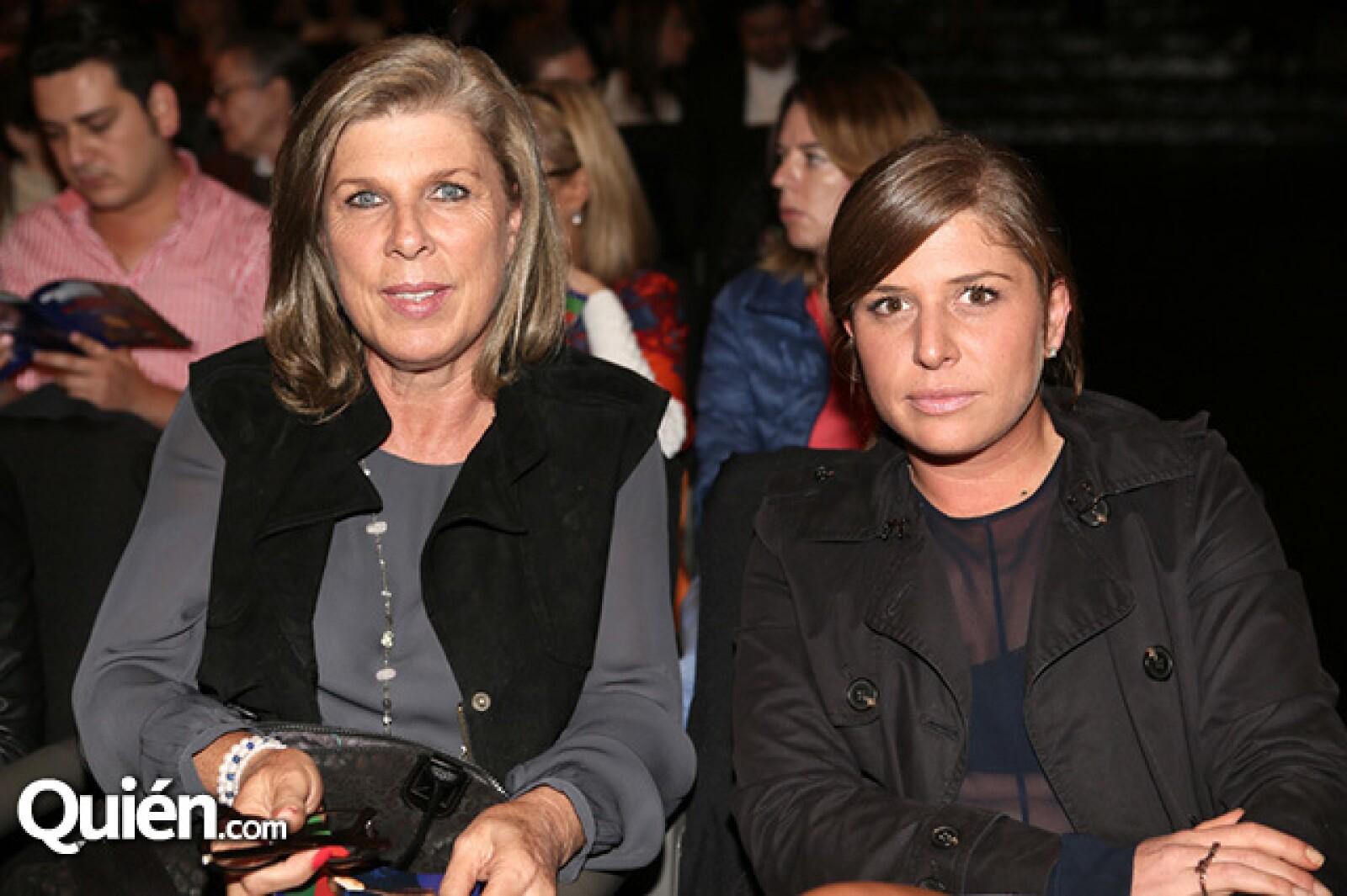 Patricia y Lorena Saravia