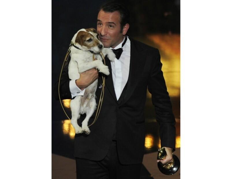 Jean Dujardin y Uggie sin duda son los nuevos consentidos de Hollywood.