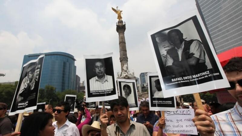 Marcha de periodistas en el zócalo