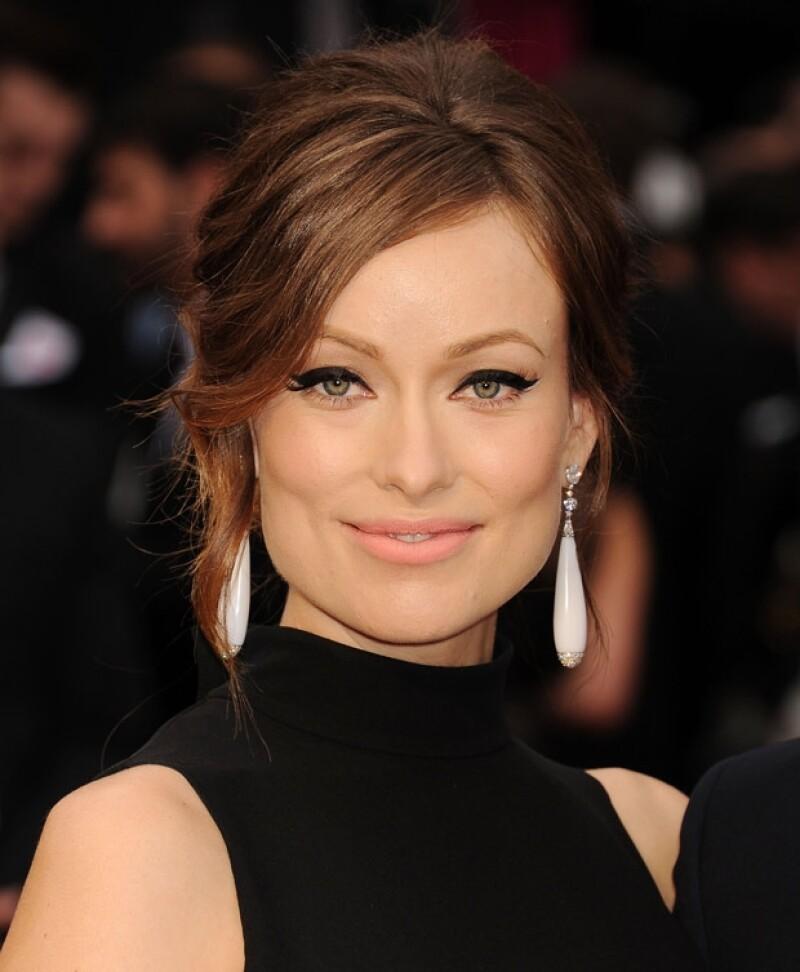 La actriz usa productos Revlon.