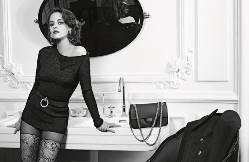 Nuevamente Karl Lagerfeld eligió a la actriz para ser la cara de la campaña publicitaria de la marca francesa.