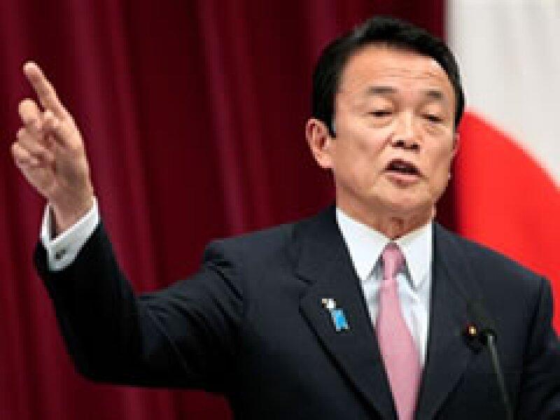 El primer ministro, Taro Aso, presentó el proyecto. (Foto: AP)
