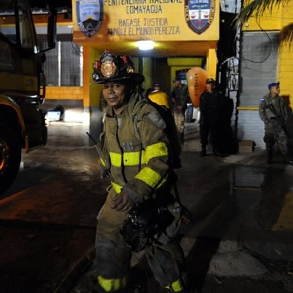 honduras-bomberos-incendio-carcel