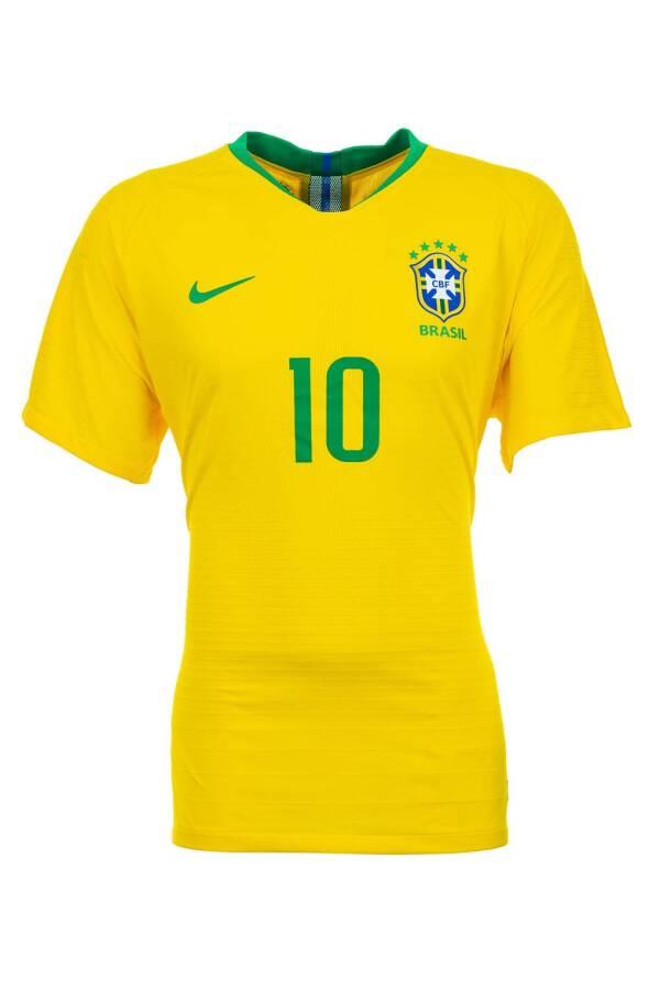 brazil-gq-6june18_getty_b
