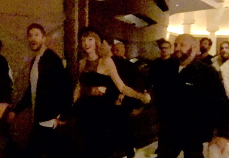 A pesar de querer pasar desapercibida, Taylor no logró engañar a los asistentes.