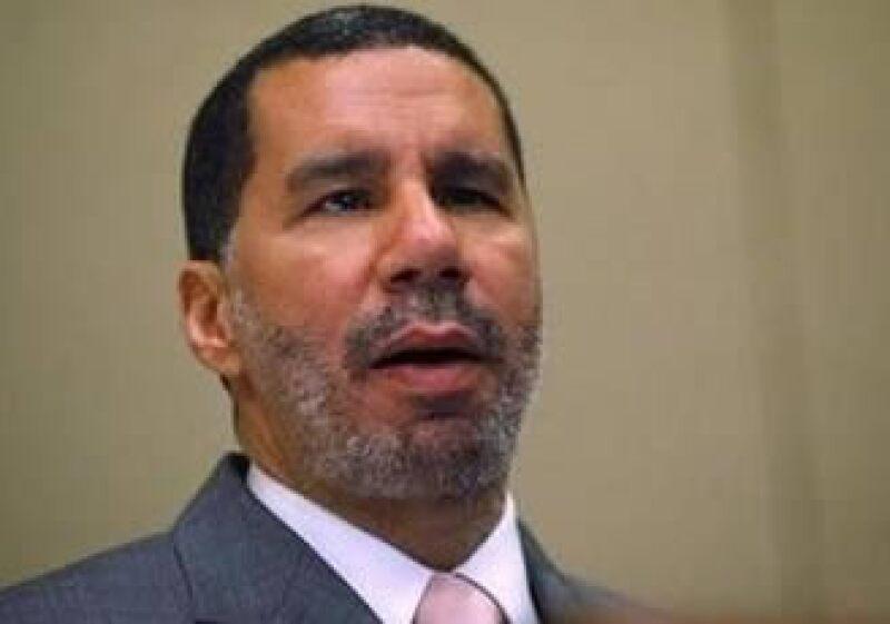 El gobernador de Nueva York, David Paterson, indicó que este año cayeron 4.8% los salarios en su entidad. (Foto: Reuters)