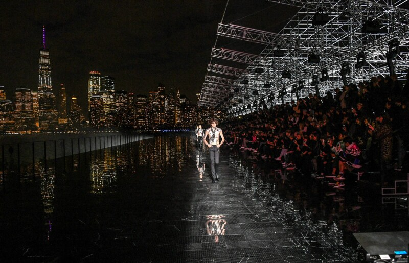 Saint-Laurent-SS-19-Live-Stream