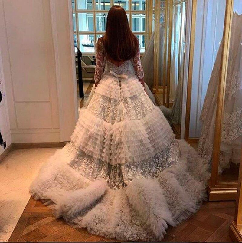 La novia lució un espectacular diseño de Zuhair Murad.