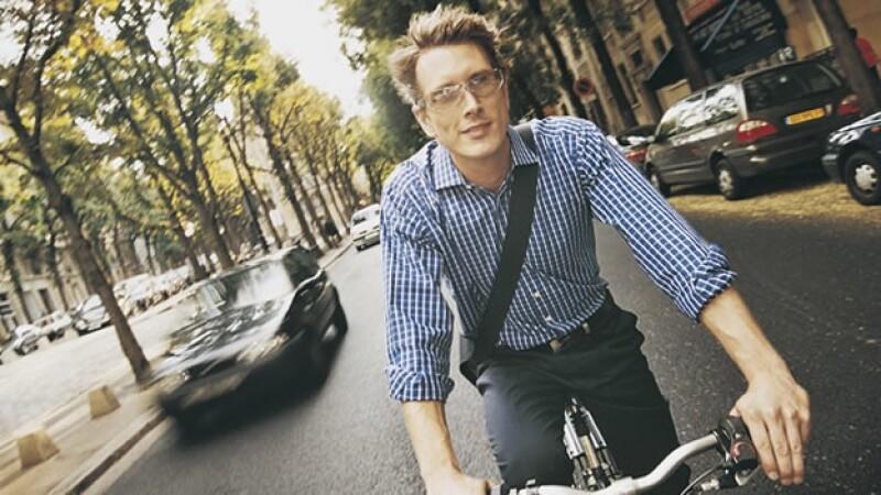 ciclista bicicleta automovilistas