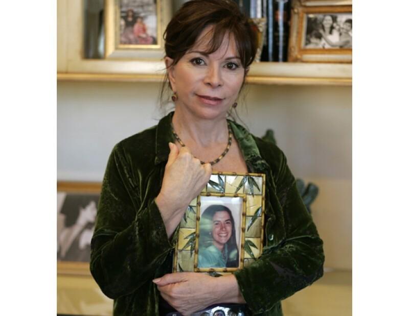 Otro de los propósitos de `Amor´ es difundir el feminismo, movimiento por el que la chilena ha peleado desde pequeña.