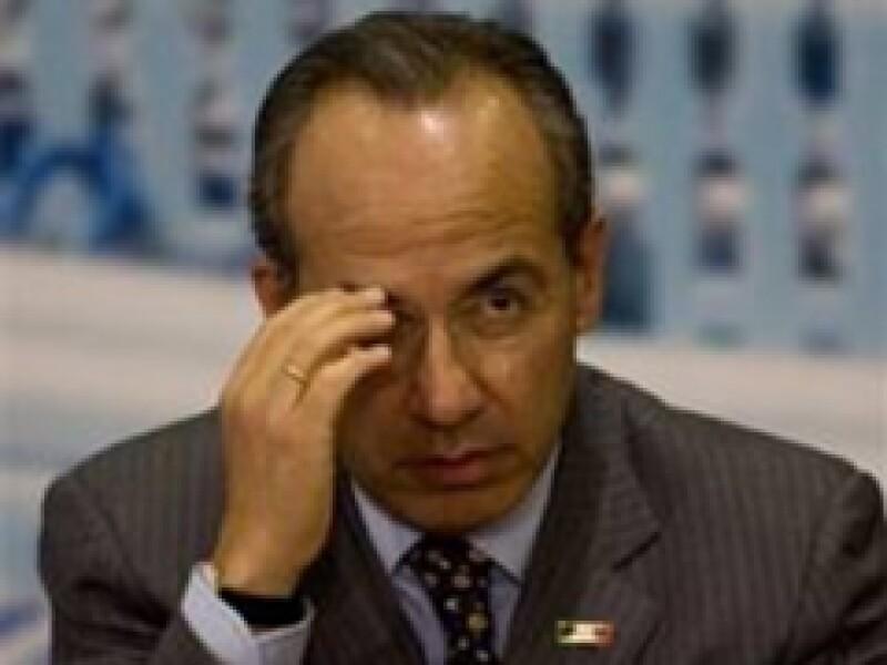 Felipe Calderón señaló que su gobierno tiene toda una estrategia para combatir al crimen organizado. (Archivo)