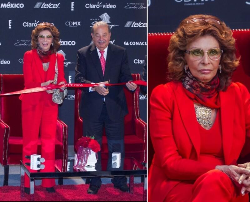 La famosa actriz italiana inauguró esta tarde en el museo Soumaya una exposición sobre su vida y trayectoria. Asimismo, el sábado, el empresario le ofrecerá una cena para celebrar su cumpleaños.