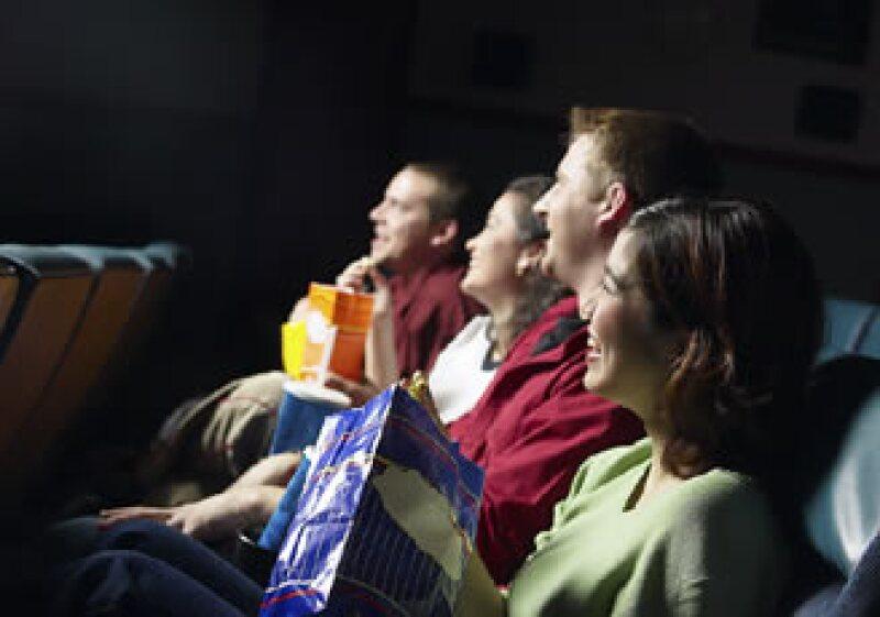El público usa a Twitter para criticar rápidamente a las películas. (Foto: Jupiter Images)