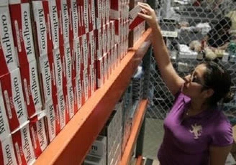 Altria subió el precio de los cigarros en Estados Unidos debido al incremento en los impuestos federales. (Foto: AP)