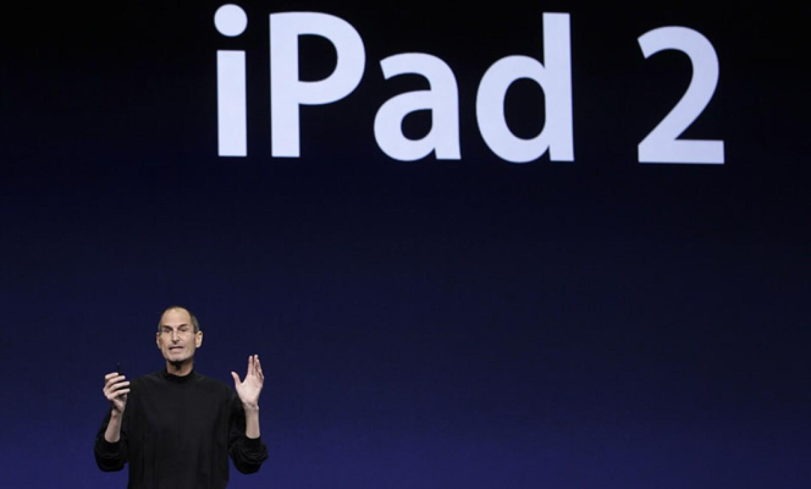 Steve Jobs reapareció, para sorpresa de muchos, en la conferencia de Apple en San Francisco.