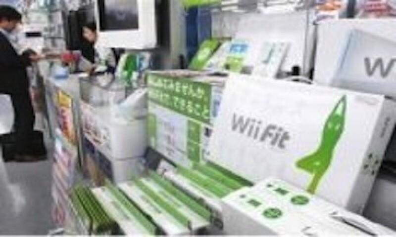 Iwata se adelantó a la fiebre de electrónicos para monitorear salud y ejercicios con el Wii Fit (Foto: AP )