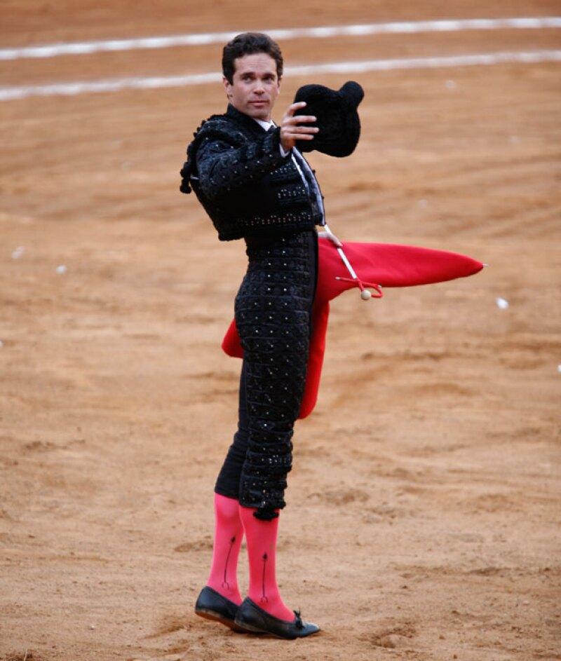 Alejandro Amaya en traje de luces.