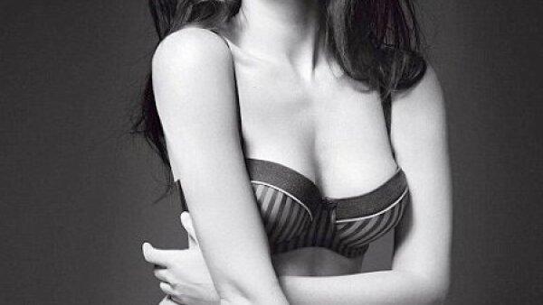 El día de hoy, la nueva campaña donde Megan Fox se convirtió en imagen de Emporio Armani, hizo su aparición.