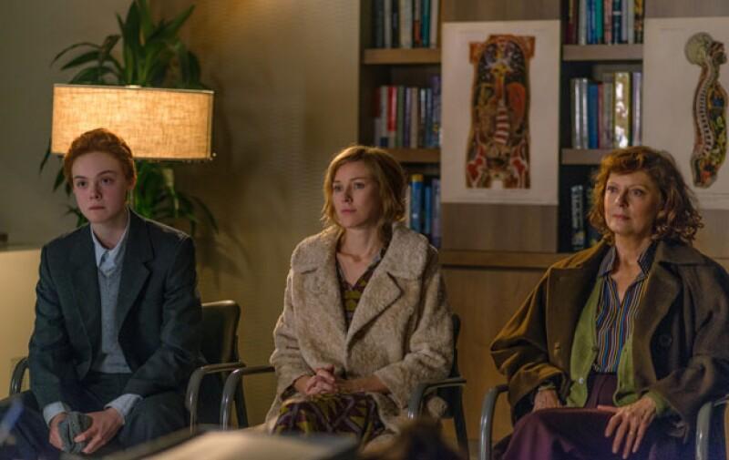 Elle Fanning, Naomi Watts y Susan Sarandon son una familia que vive un importante cambio.