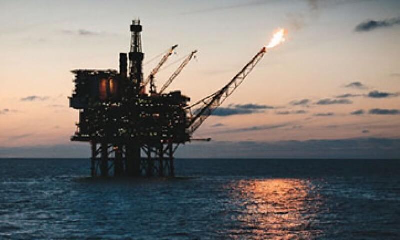 El petróleo de México sigue desplazado por el de Arabia Saudita al tercer sitio como abastecedor de crudo a EU. (Foto: Thinkstock)