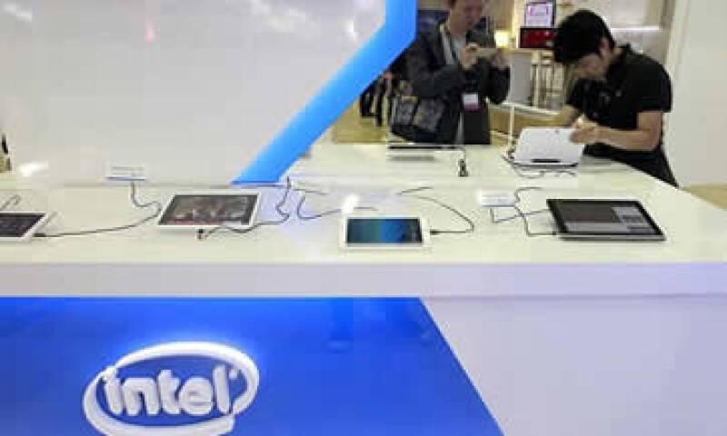 Intel espera ventas en el primer trimestre por 12,800 millones de dólares. (Foto: Reuters )