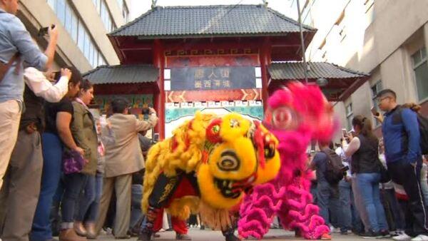 El Año del Perro pasó del silencio en Pekín al estruendo en CDMX