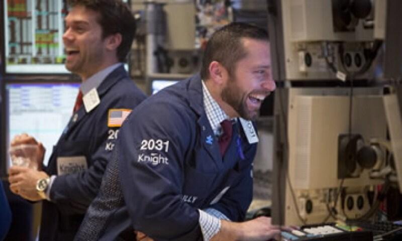 En la semana, el Dow terminó con un alza de 0.6%. (Foto: Getty Images)