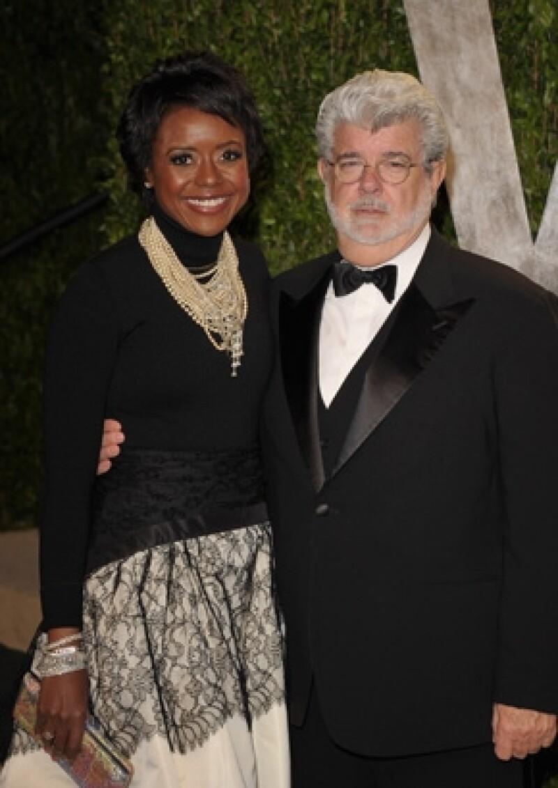"""El creador de la saga de """"Star Wars"""" y su pareja de casi siete años decidieron casarse el fin de semana pasada en Marin, California."""