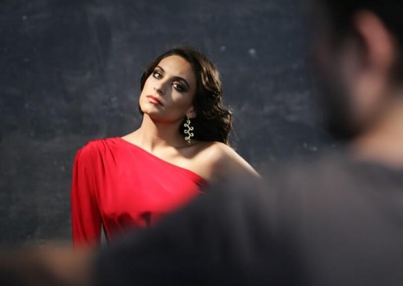 La actriz mexicana se siente muy feliz con la buena aceptación que ha tenido la telenovela que protagoniza.