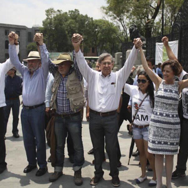 Al evento asistieron el excandidato presidencial de izquierda Cuauhtémoc Cárdenas, la académica Denise Dresser y el actor Daniel Giménez Cacho