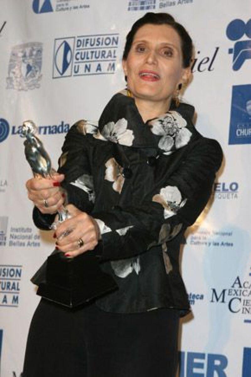 La escritora considera que el actor fue la figura principal en la realización de la historia en la cinta `Arráncame la Vida´, por la que el mexicano no fue nominado.