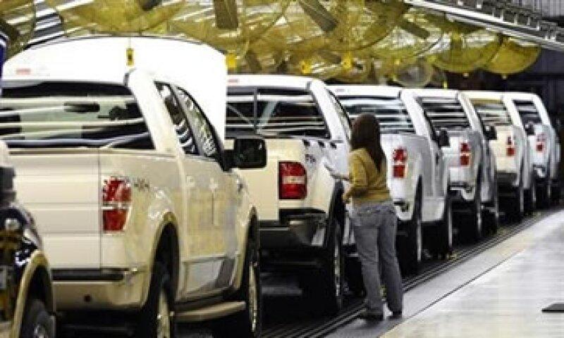 Los directivos de Ford hicieron énfasis en el plan de reestructura de la automotriz en Europa. (Foto: Reuters)