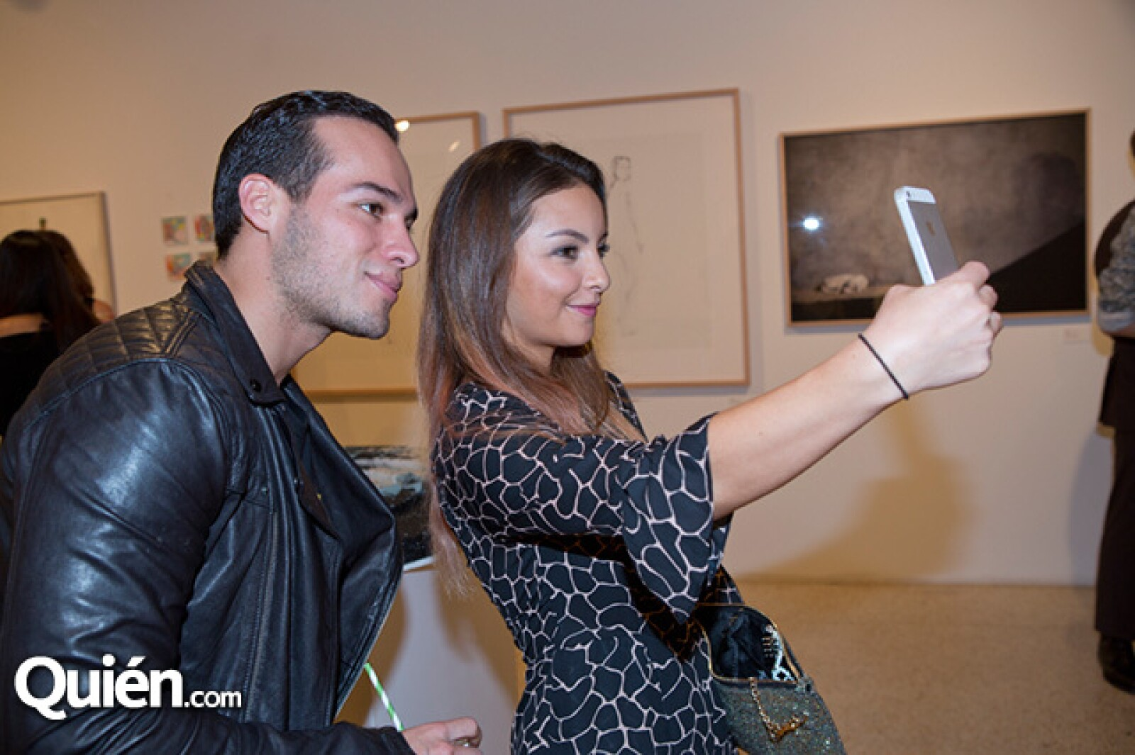 Ari Tinajero y Daniela Wong