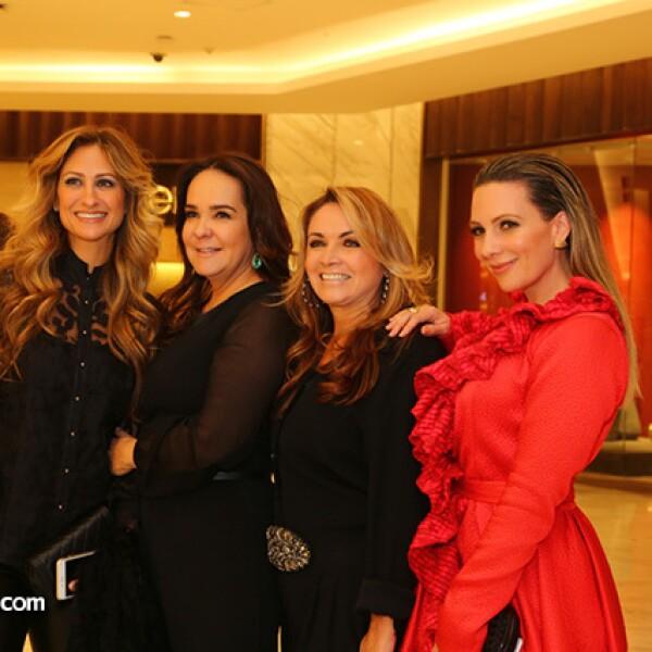 Pixie Deblyn,Margarita Pérez Cuellar,Rosaura Henkel y Zarina Rivera